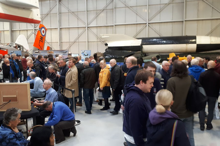 Busy community stands at Flight Sim 2018